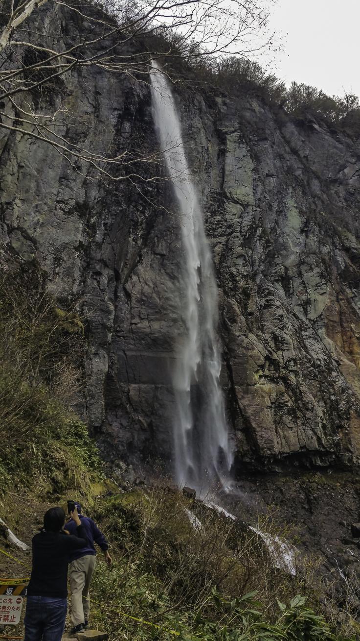 japan_nagano_yonako_falls-8